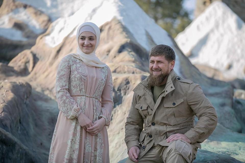 Айшат Кадырова вместе с отцом