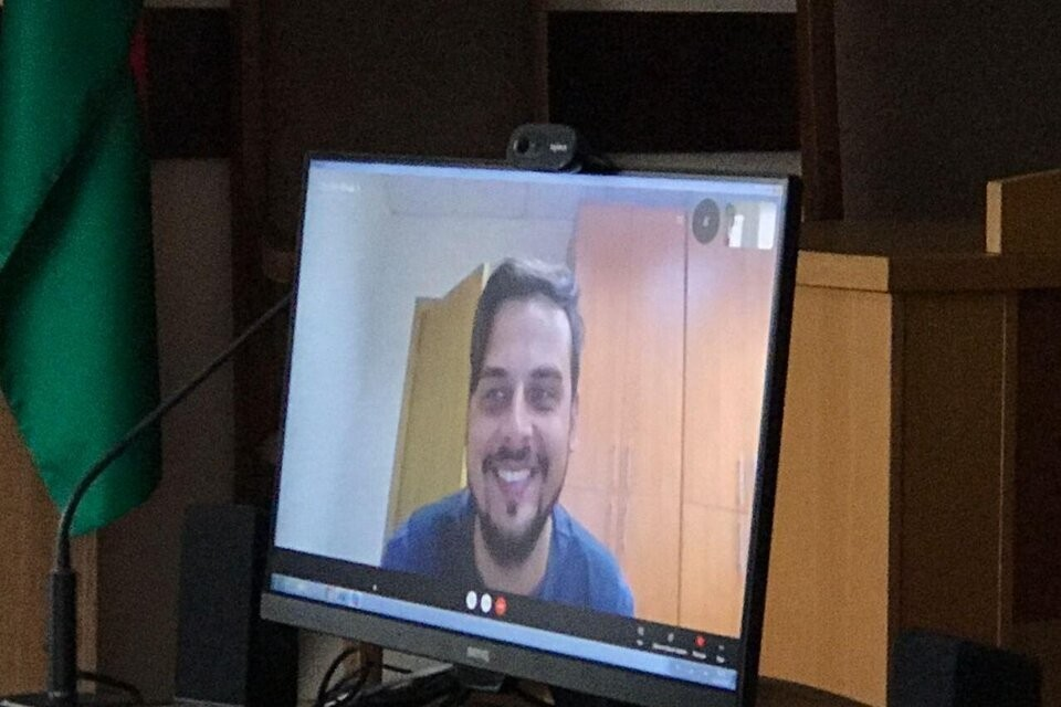 Видеооператор Никита Недоверков давал показания по скайпу. Фото: mediazona.by