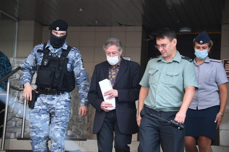 Михаил Ефремов признал свою вину в смертельном ДТП.