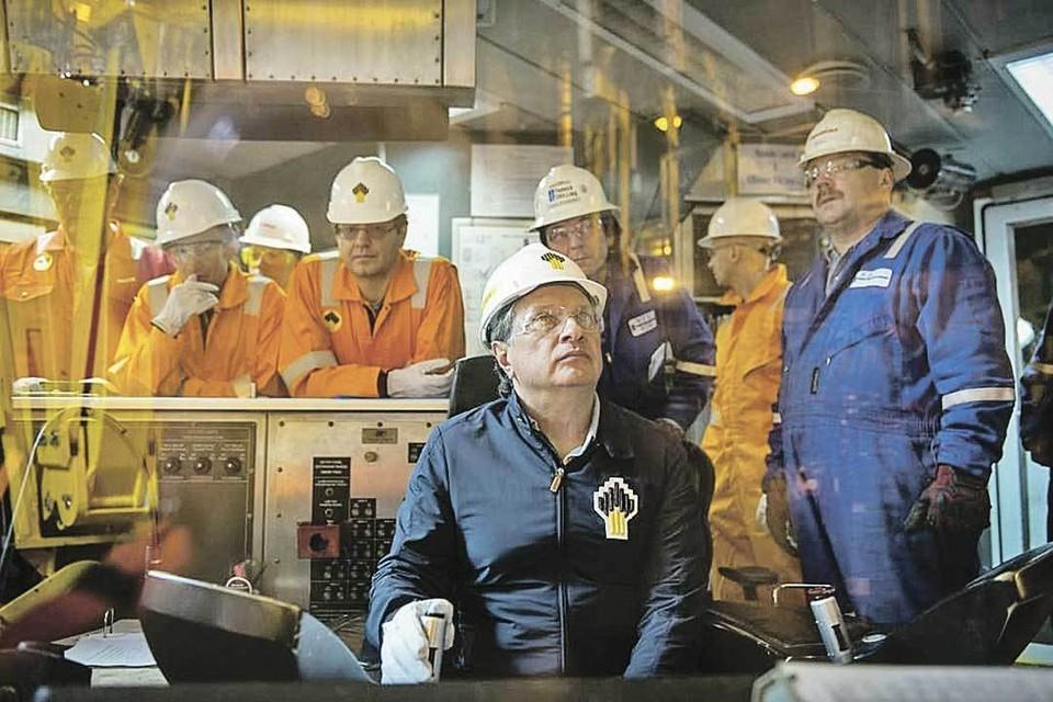 Игорь Сечин постоянно подчеркивает конкурентные преимущества российской нефтянки - это одни из самых низких в мире затрат на добычу и уникальная ресурсная база. Фото: ПАО «НК «Роснефть»