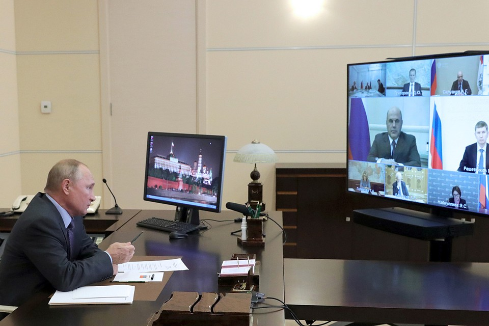 Президент провел совещание по экономическим вопросам. Фото: Михаил Климентьев/ТАСС