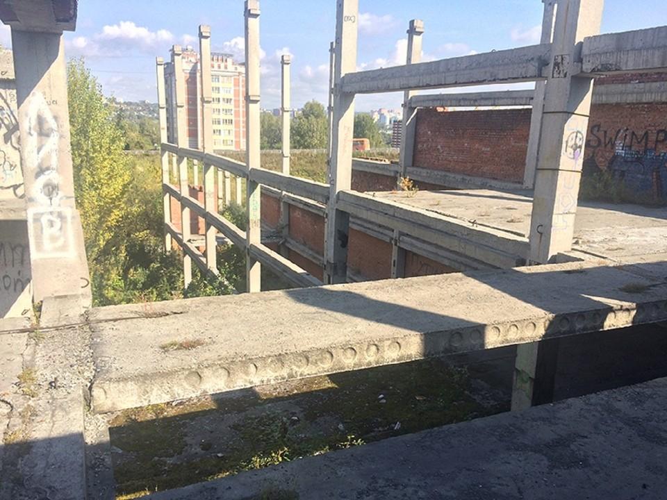 Заброшенные строительные объекты – давняя головная боль для Томска. фото: пресс-служба регионального ОНФ.