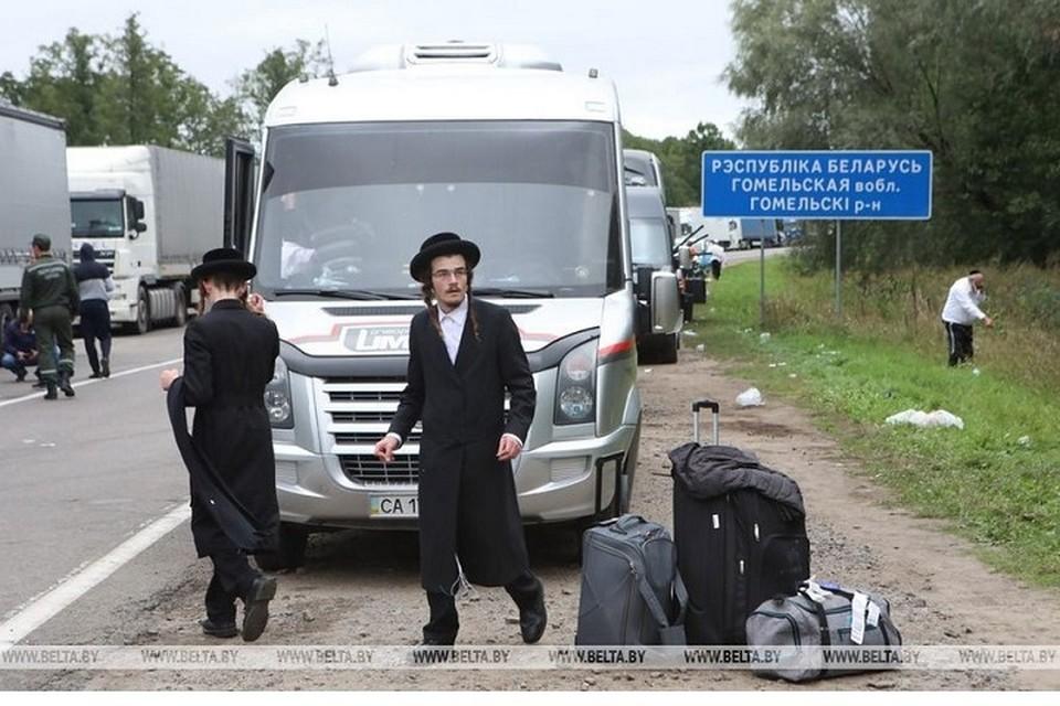 Беларусь готова за свой счет провезти хасидов к украинским святыням и затем доставить в аэропорты, чтобы они улетели на родину. Фото: БелТА.