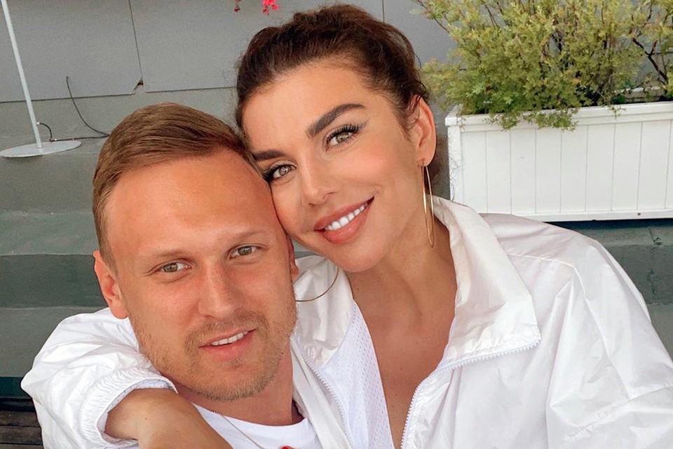 Анна Седокова с женихом Янисом решают, как вычислить все последствия работы лживой помощницы