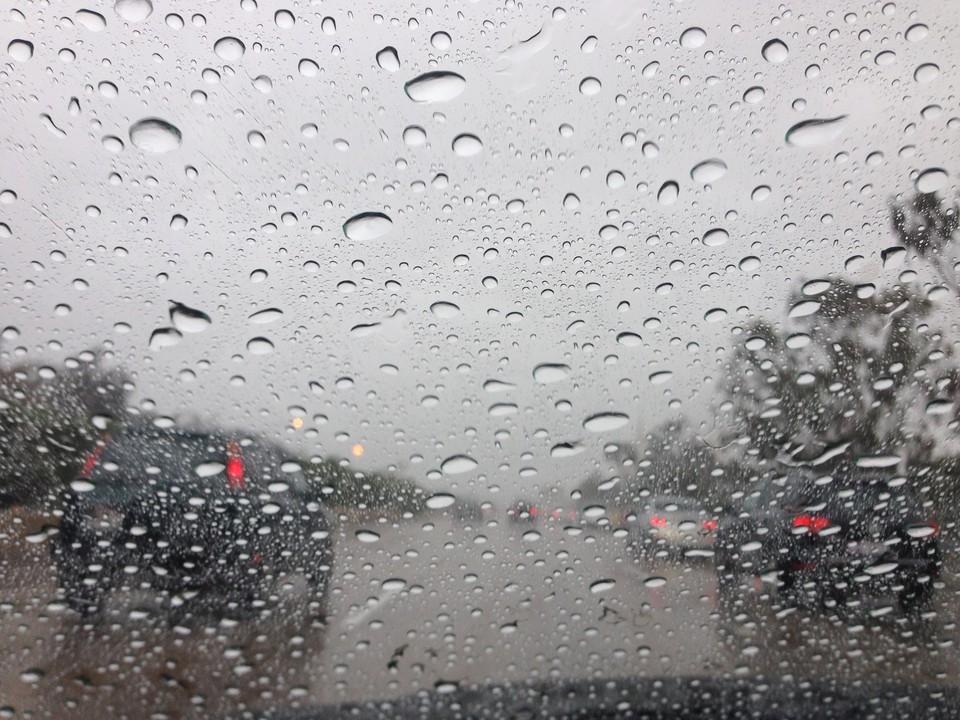 Столицу накрыло мощным дождём