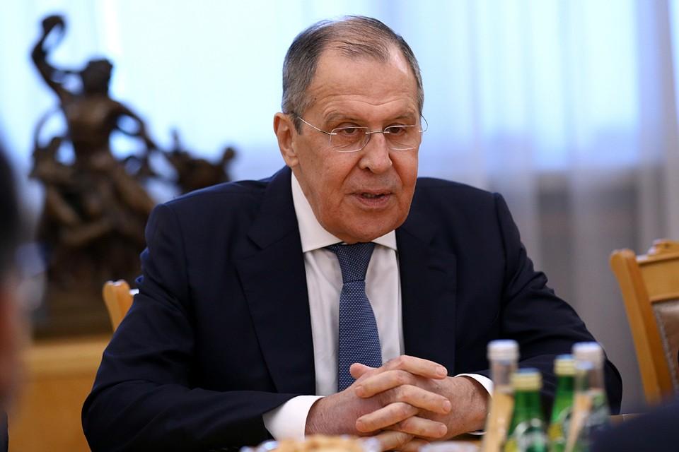 Разговор начался с обсуждения самых острых тем – событий в Белоруссии и ситуации вокруг Алексея Навального