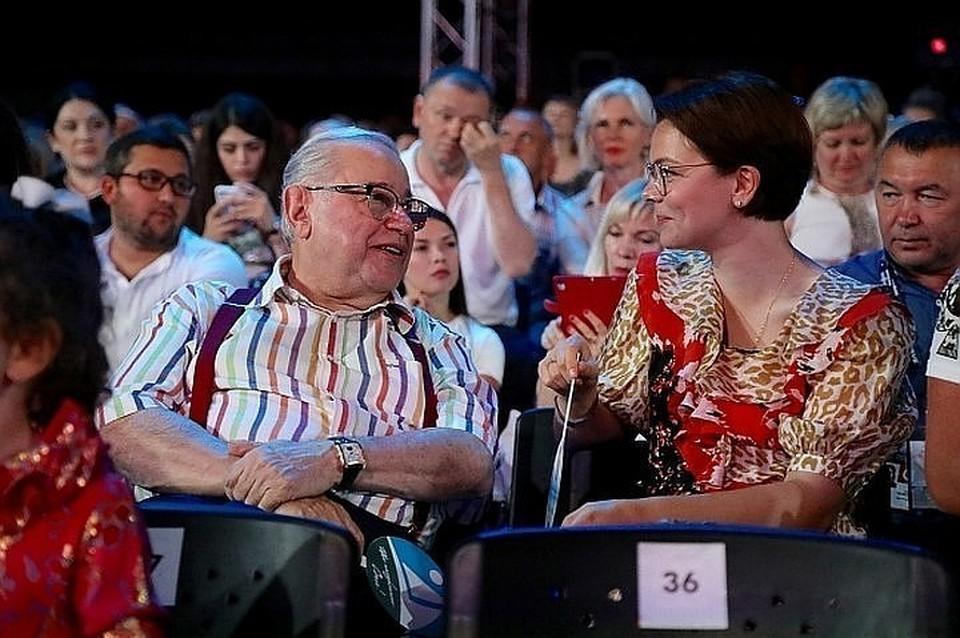 Евгений Петросян и Татьяна Брухунова наслаждаются семейным счастьем