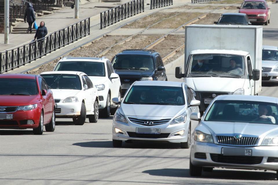 Около 58% семей в Иркутской области имеют автомобиль.