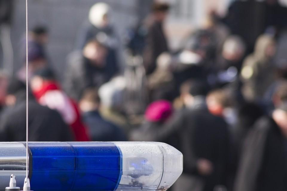 Полиция ищет напавшего на парня злоумышленника