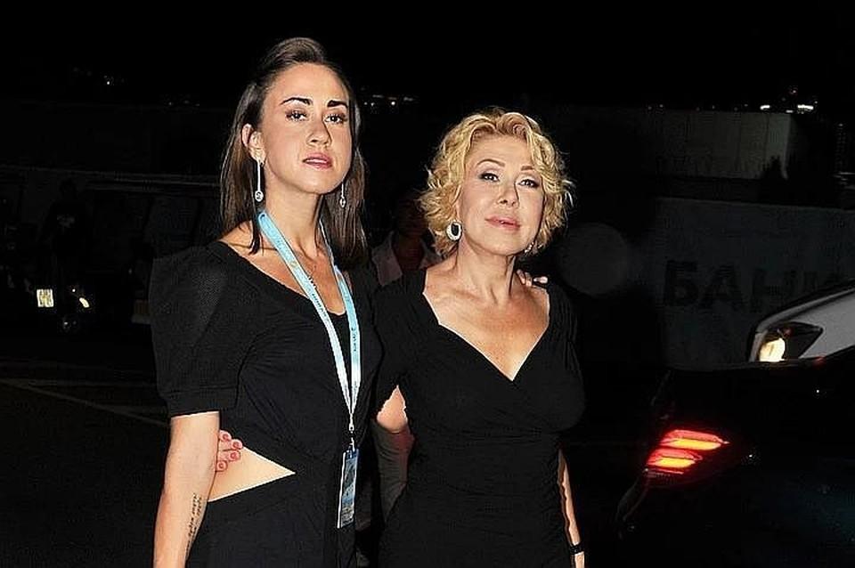 Татьяна Плаксина со своей знаменитой матерью Любовью Успенской