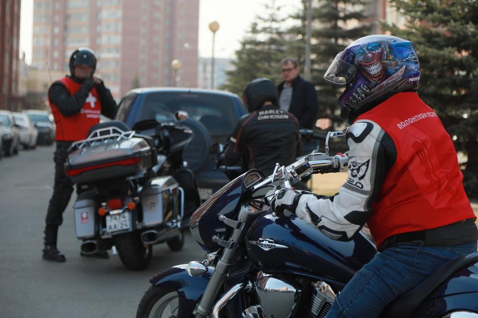 Сейчас все мотосообщества призывают своих единомышленников следовать правилам и с уважением относиться к другим участникам дорожного движения