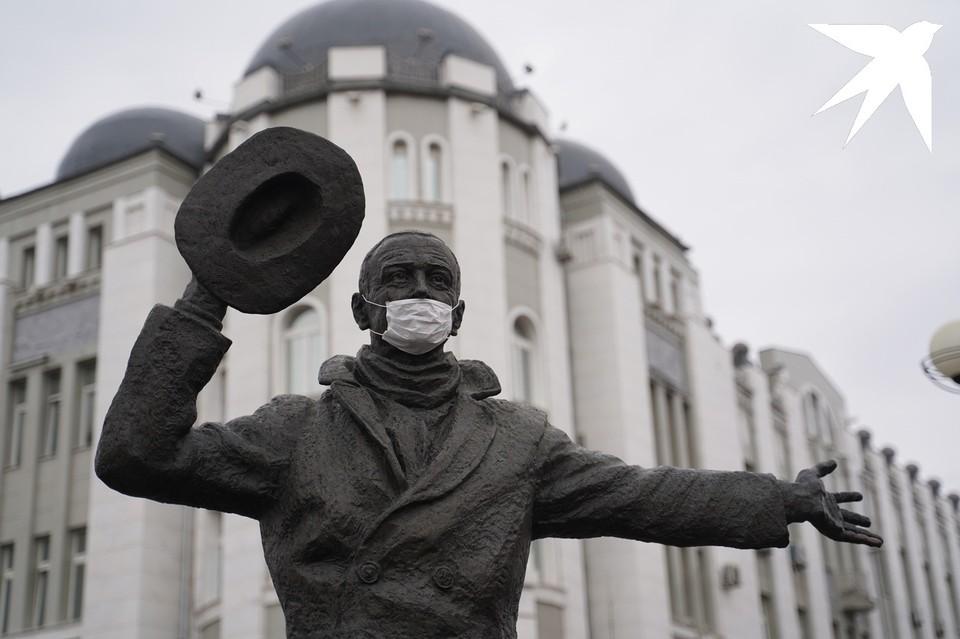 К Самарской области снова подбирается коронавирус
