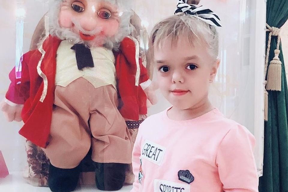 Ставропольская дюймовочка Вероника Серикова родилась 26 июня 2009 года в селе Кочубеевское. Рост малышки был 48 см, а вес 3200