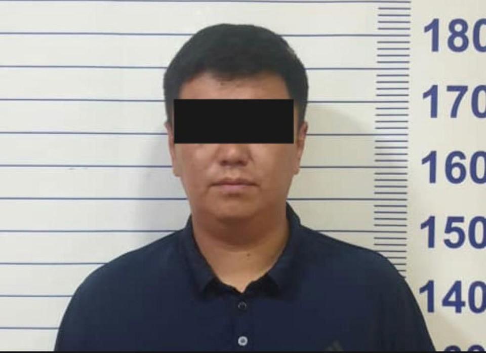 В ГУВД не исключают, что задержанный может быть причастен к другим фактам мошенничества.