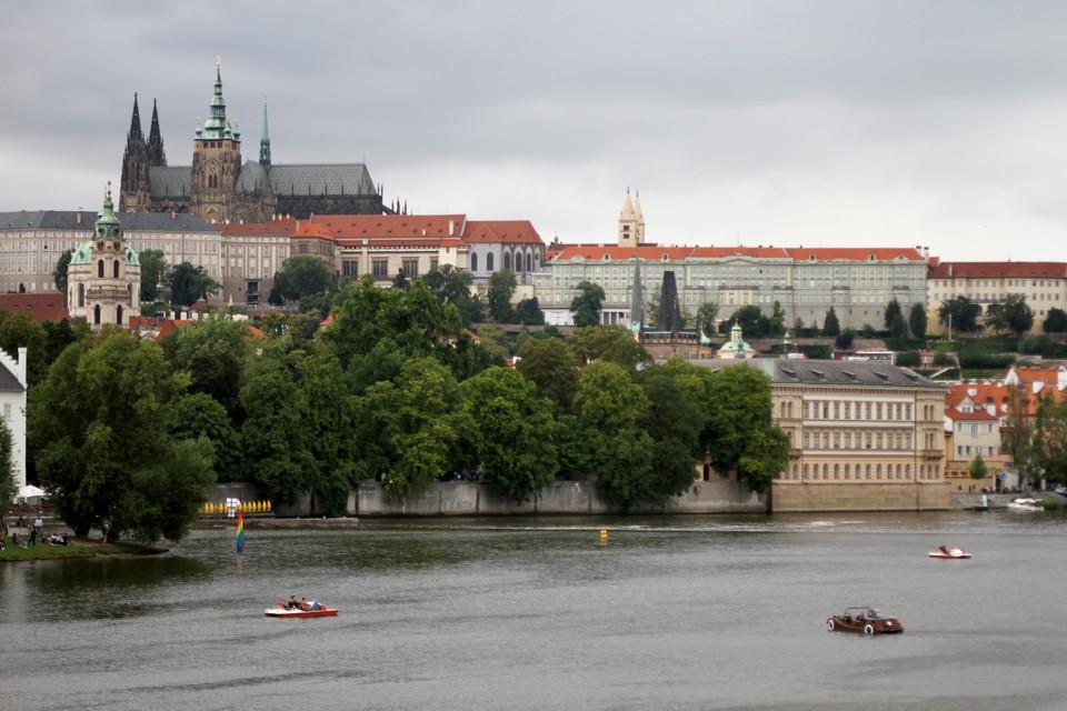 За сорванный отдых в Чехии 200 тысяч рублей отсудила у страховщиков жительница Батайска