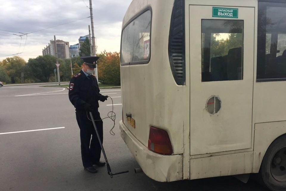 В Барнауле измерили токсичность выхлопных газов автобусов