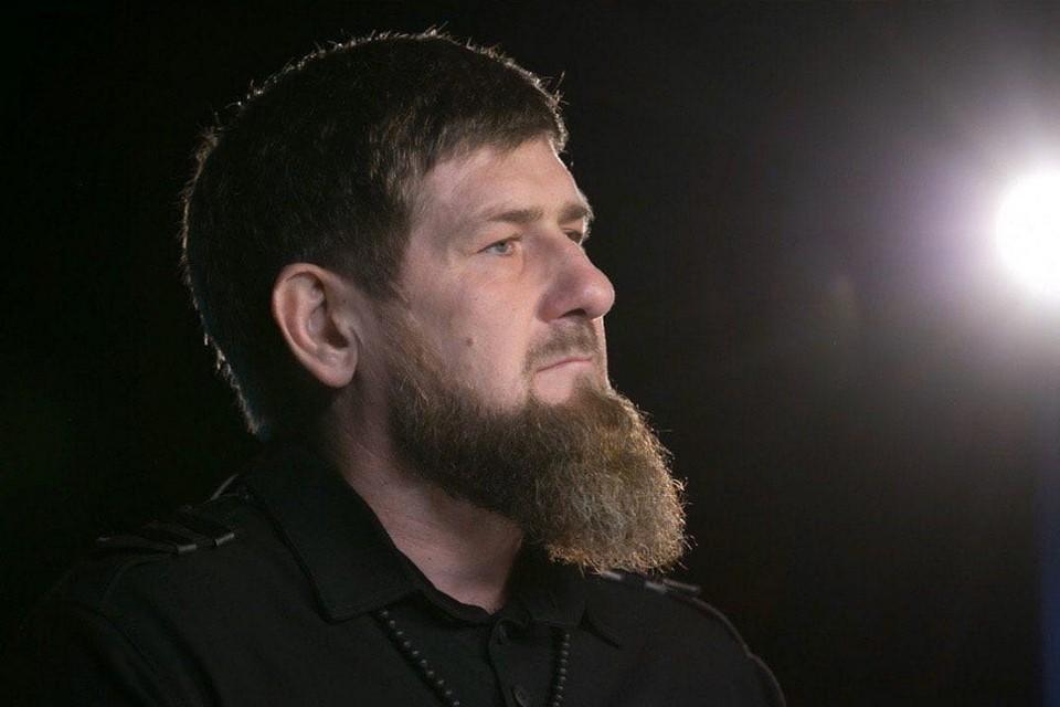Рамзан Кадыров пообещал одарить первого, кто сможет угадать его возраст на фото