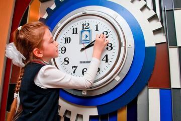 Открытие ученых: на деньги можно купить время