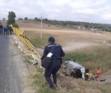 Подробности ДТП в Унгенах: Водитель не справился с управлением из-за напавших на него пчел