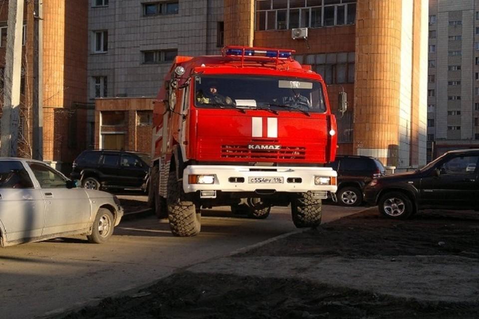 На месте возгорания работали сотрудники МЧС Татарстана