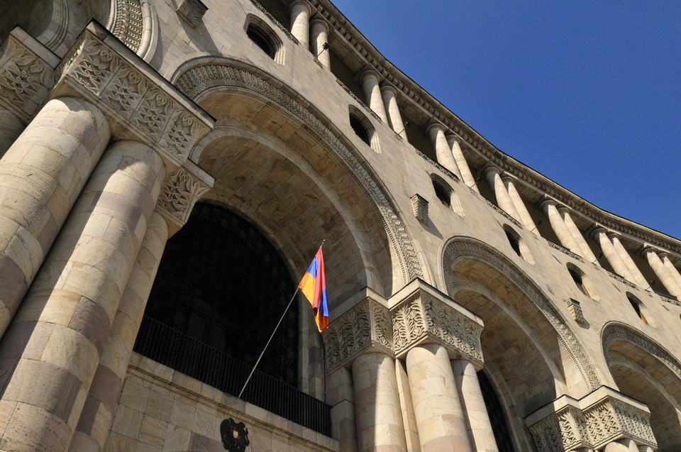 Представитель Минобороны Армении рассказала о гибели женщины и ребёнка в конфликте вокруг Карабаха