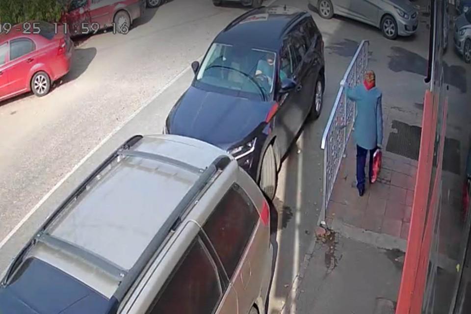 Водитель уверяет, что женщину просто не заметил