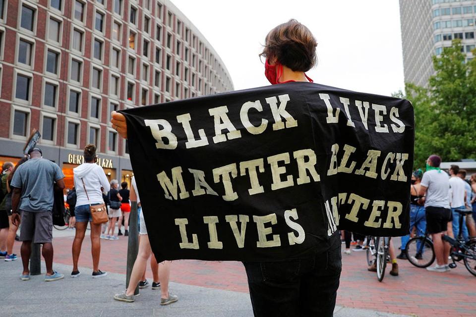 В США людям с ограниченной мобильностью предоставили возможность поддержать движение «Жизни черных важны»