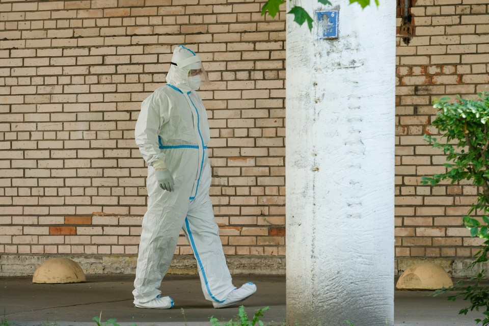 Еще 30 человек скончались от коронавируса в Петербурге.