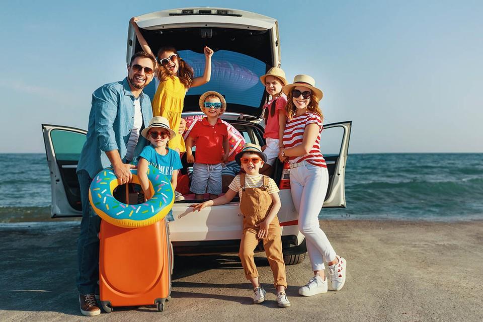 Россиянам, у которых более двух детей, один из которых не достиг возраста 18 лет, разрешат выбирать любое удобное время для отдыха, независимо от графика отпусков.