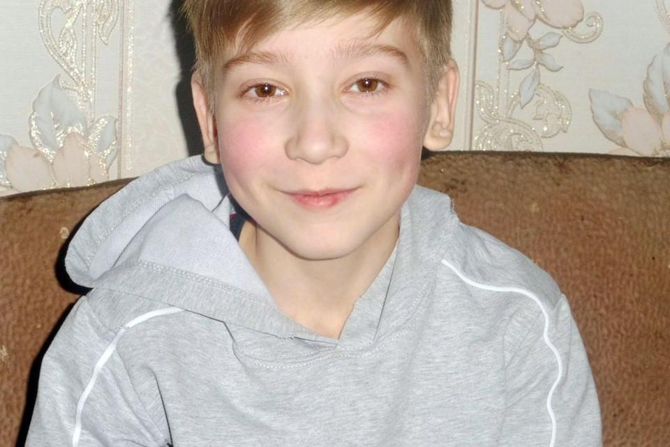 Мальчик болен муковисцидозом — врожденное и постепенно прогрессирующее заболевание, лекарства от которого пока не изобретено