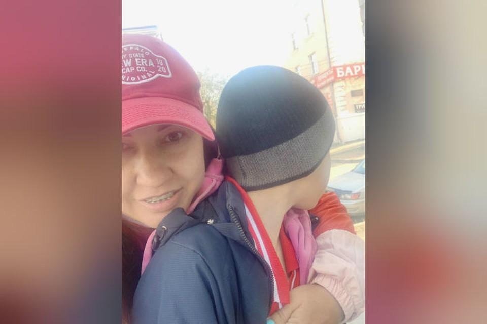 Ольга и спасенный ею пятиклассник. Фото: личный архив.