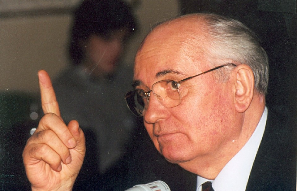 Горбачев считает, что нужно договариваться о путях урегулирования в Нагорном Карабахе