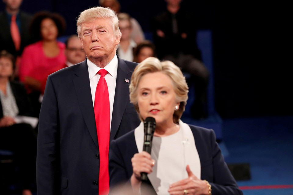 Расследование по факту использования Клинтон личной электронной почты возобновилось по распоряжению президента США.