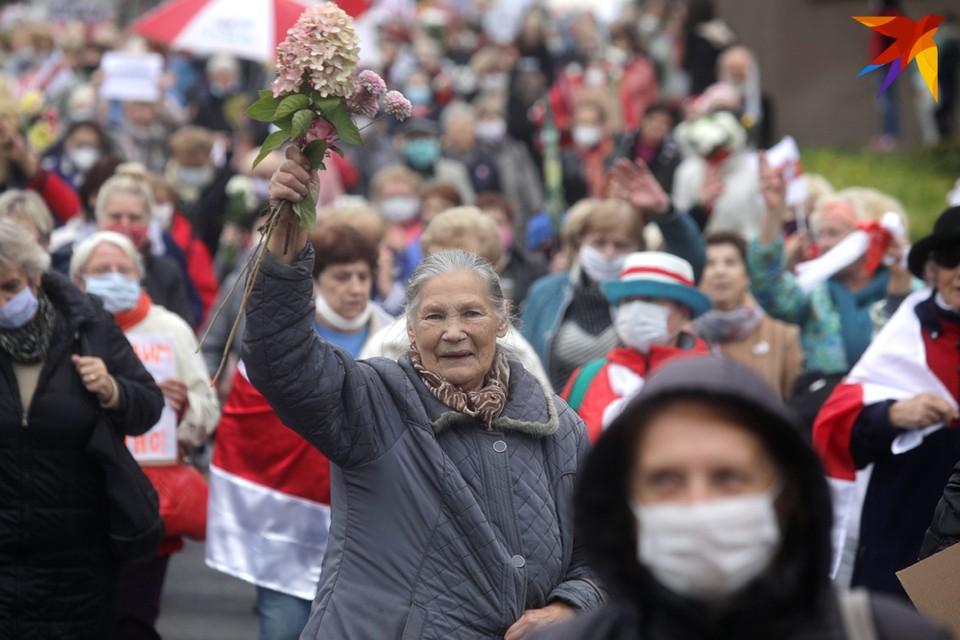 В Минске и Гомеле пенсионеры снова вышли на марш
