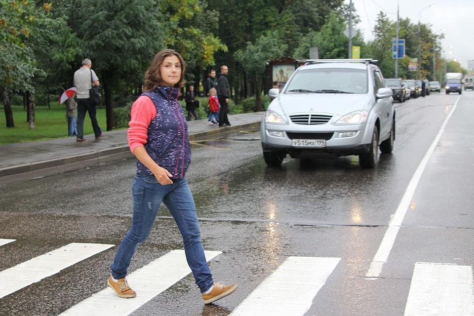Водитель часто может не видеть пешехода, который приближается к зебре