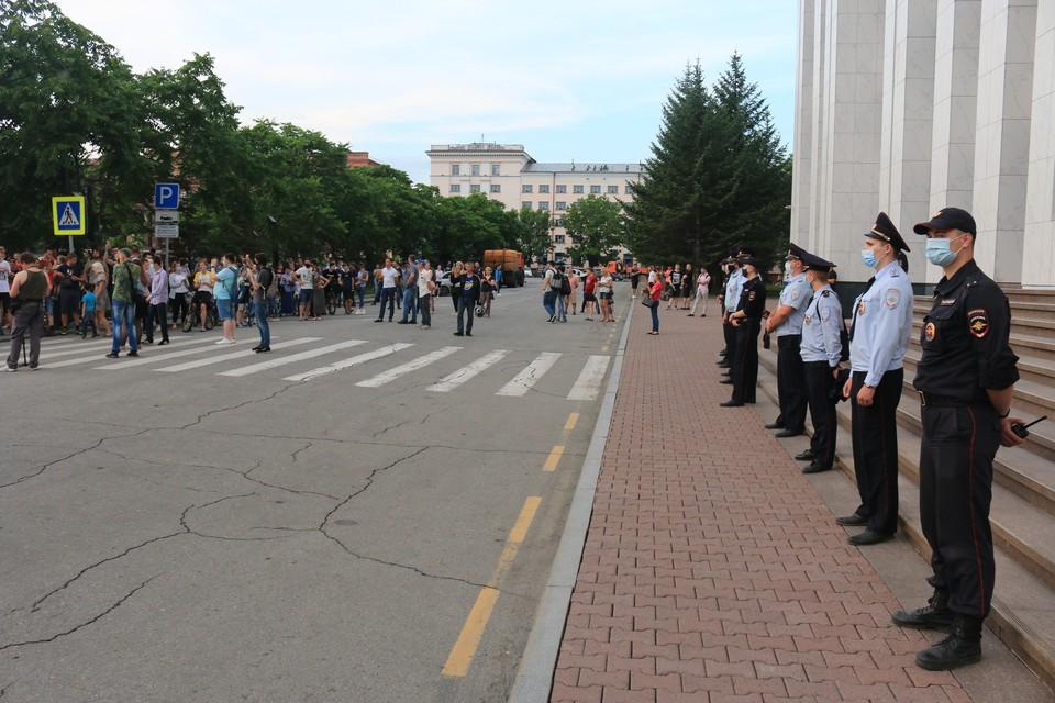 В Хабаровске на несанкционированной акции в поддержку Сергея Фургала вновь насчитали 500 человек
