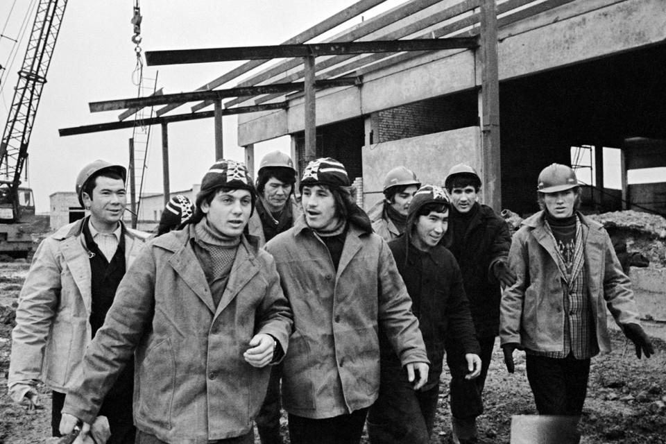Красивые байки про хороший СССР и честных строителей коммунизма в народе ходят. Людям приятны сказки. Только не надо в них слепо верить