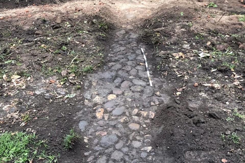Мостовую планируют расчистить и сохранить Фото: gorodtorzhok.ru