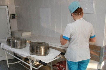 В алтайском минздраве объяснили, как разгрузят подвал больницы от трупов и избавятся от очередей на вскрытие