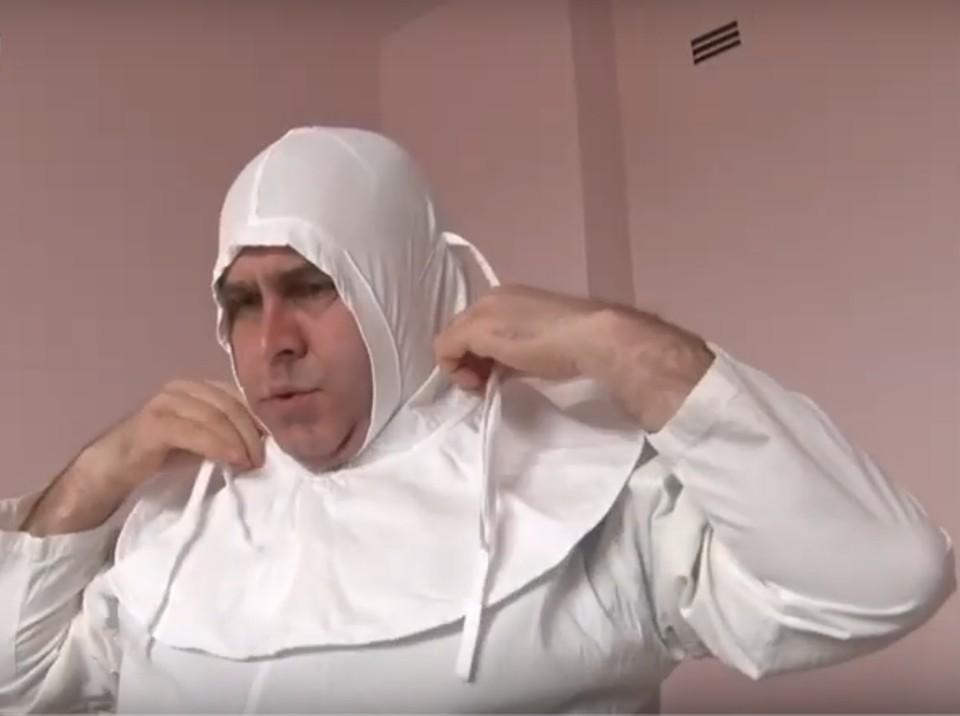 Александр Оприщенко выбрал хлопчато-бумажный костюм. Скриншот с видео Первого республиканского