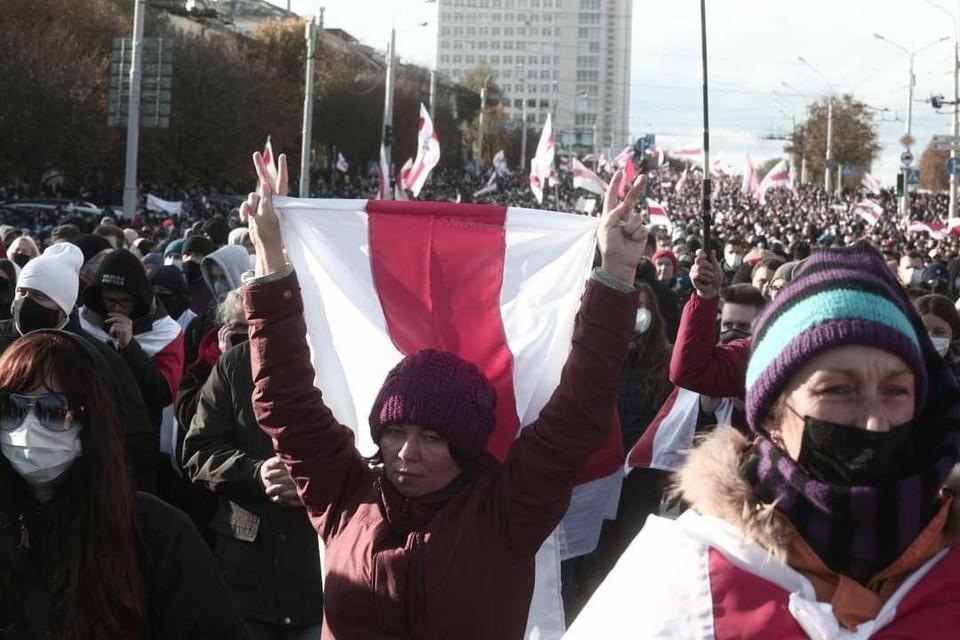 Участники марша оппозиции в центре Минска, 18 октября 2020 г. Фото: Иван Иванов