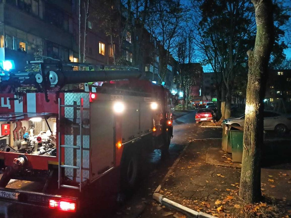 В ликвидации пожара принимали участие 18 человек и шесть единиц техники