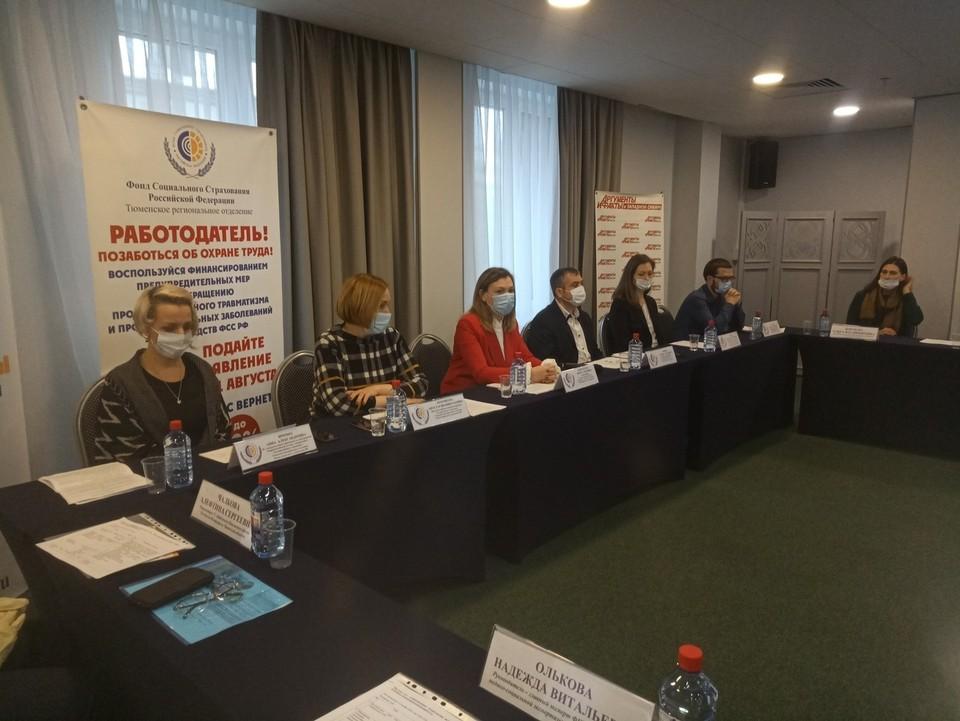 Электронный больничный, заявление на Госуслугах и максимум в онлайн: как ФСС Тюменской области ускорил цифровизацию в год пандемии коронавируса