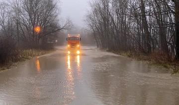 Подтопило дома, размыло дороги: на Сахалин обрушился мощный циклон