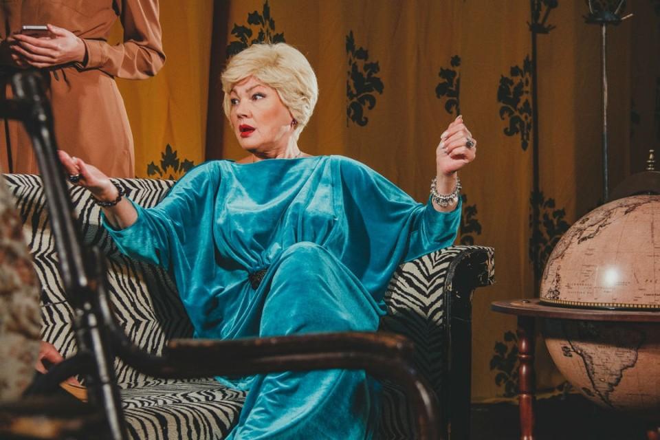Премьера мелодрамы «Мама» по пьесе Ганны Слуцки, ранее объявленная на 9 и 10 октября, состоится 6 и 7 ноября. Фото: kirovdramteatr.ru
