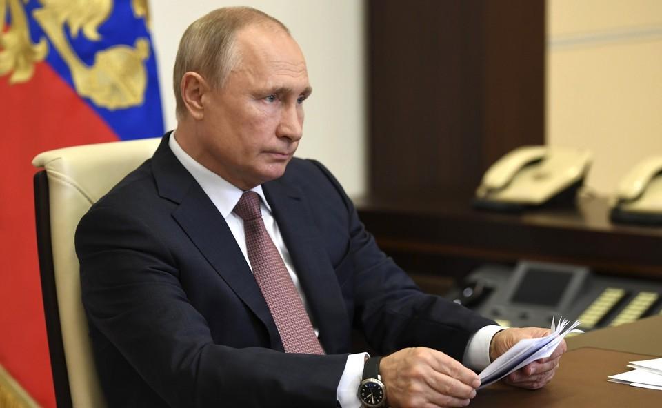 Владимир Путин слал лидером, вызывающим у россиян доверие.