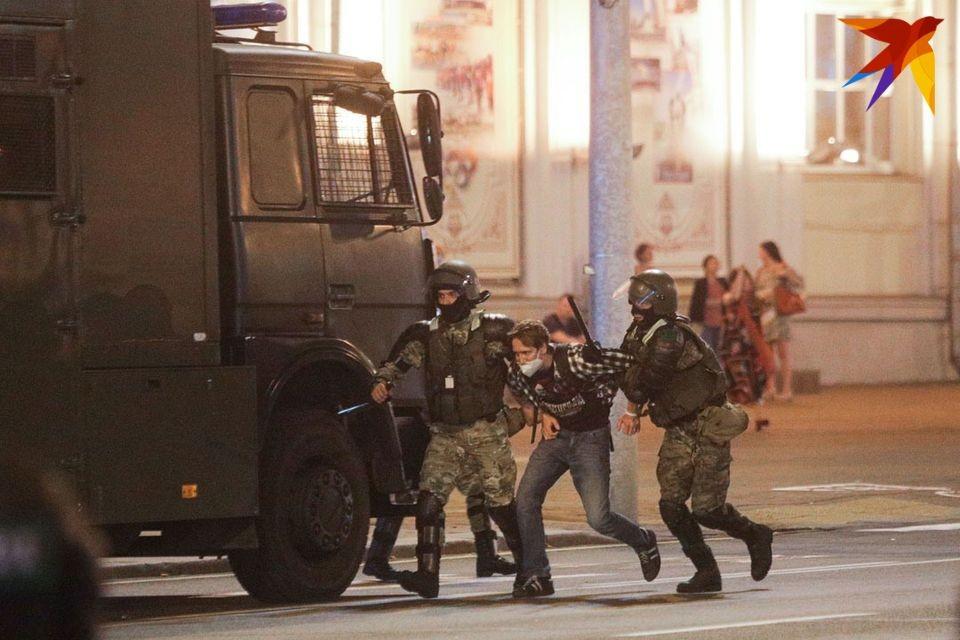 МВД: милиция применила слезоточивый газ против митингующих в Минске