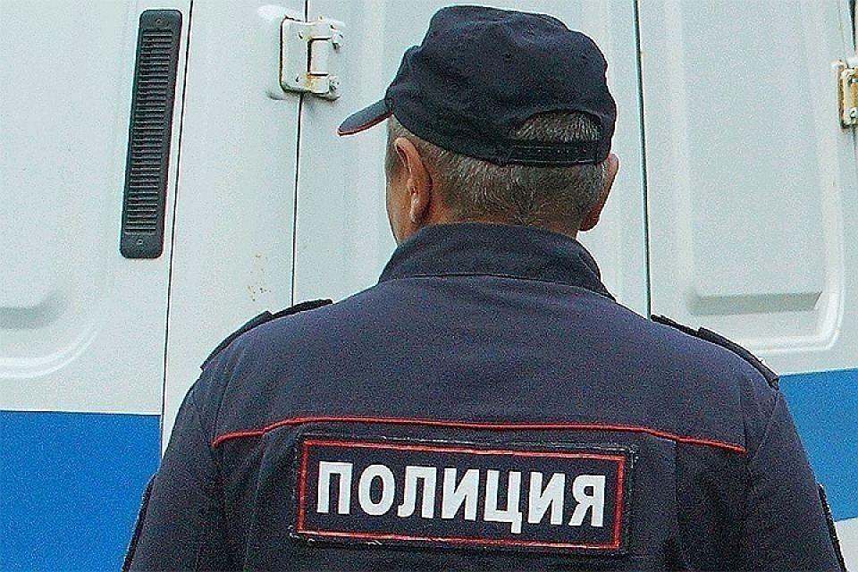Два преступника с ножом напали на жителя Иркутска и отобрали смартфон.