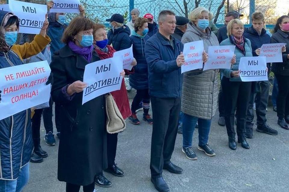Жители Шилкинской продолжают протестовать против точечной застройки, в то время как проектировщики ищут пути решения