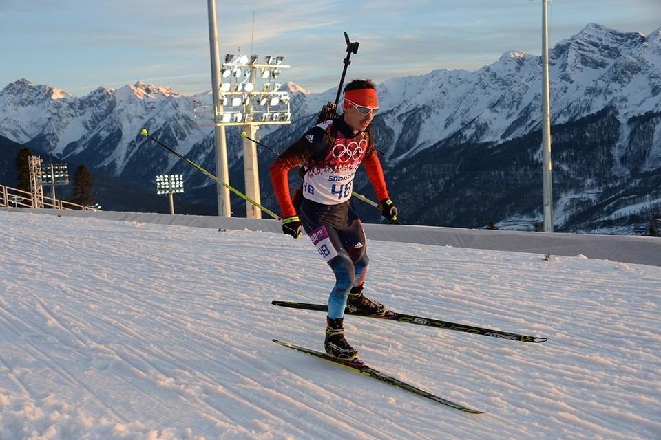 Олимпийского чемпиона биатлониста Евгения Устюгова лишили трех медалей
